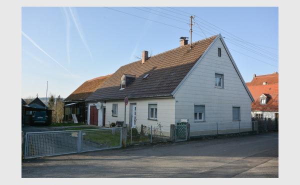 ruhig & zentral - renovierungsbedürftiges EFH mit großem Grundstück